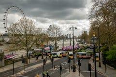 警察护送抗议游行-伦敦 免版税库存图片