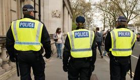 警察护送-抗议游行-伦敦 免版税库存图片