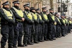 警察护送-抗议游行-伦敦 免版税库存照片