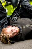 警察拘捕-抗议游行-伦敦 免版税图库摄影