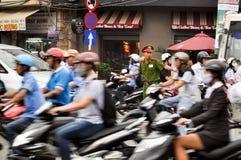 警察控制交通 免版税库存图片