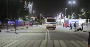 警察有被拘留者的警车 股票视频