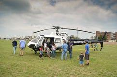 警察用直升机和访客 免版税库存照片