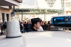 警察监视抗议在反对macron的法国 库存图片
