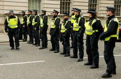 警察线-抗议游行-伦敦 免版税库存照片