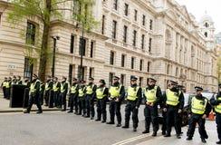 警察线-抗议游行-伦敦 免版税库存图片