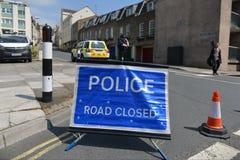 警察闭合的路标 免版税库存照片