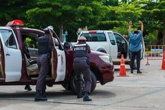 警察,警察开枪,警察训练武器、军事和安全 图库摄影