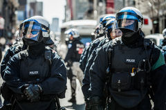 警察画象特写镜头准备好在问题的情况下 免版税图库摄影