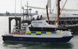 水警艇在波兹毛斯港口 汉普郡 英国 免版税库存照片