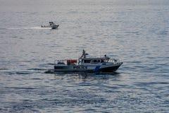 水警艇安全 免版税库存图片