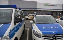 警车在国际机场在法兰克福哈恩,德国 库存照片