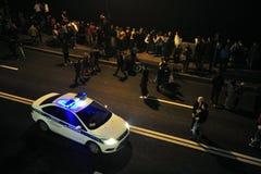 警车巡逻涅瓦河堤防 免版税图库摄影