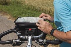 计划一条骑自行车的路线 免版税库存图片