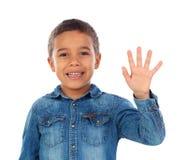计数与他的手指的可爱的孩子 库存照片