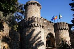 计数奥罗佩萨角,在大门的塔的城堡 库存图片