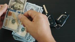 计数金钱买的汽车的人 股票视频