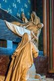 计数Pigalle坟茔在Notre Dame大教堂的 库存照片