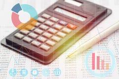 计算器和笔 免版税图库摄影