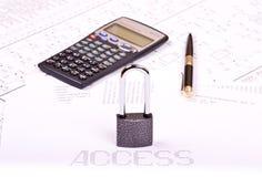 计算器挂锁笔 免版税库存照片