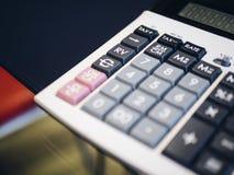 计算器按钮关闭财务企业概念 库存图片
