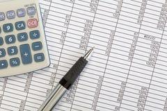 计算器笔电子表格 免版税库存照片