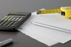 计算器米铅笔磁带 库存照片