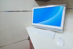 计算机书桌 免版税库存照片