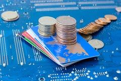 计算机互联网挣货币使用 库存图片
