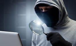 计算机保密性攻击 混合画法 库存照片