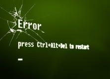 计算机在残破的屏幕的错误消息 免版税库存图片