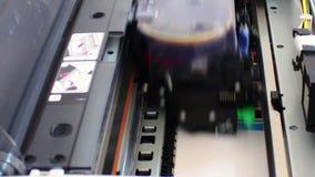计算机在行动的打印机头 股票视频