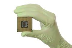 计算机处理器在人的手上 库存照片