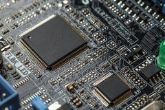 计算机处理器技术 微集成电路计算机cpu硬件,打印的数字式主板组分 库存图片