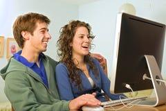 计算机夫妇少年 免版税库存图片