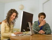 计算机夫妇少年 图库摄影