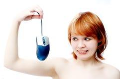 计算机女孩鼠标年轻人 免版税库存照片