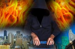 计算机数字黑客膝上型计算机抽签屏幕使用 免版税库存照片