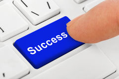 计算机有成功钥匙的笔记本键盘 免版税库存照片
