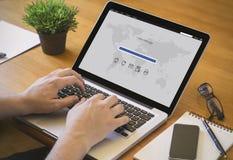 计算机桌面邮件 免版税库存图片