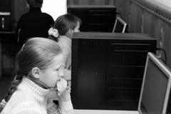 计算机类的孩子 库存图片
