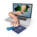 计算机美国护照和信用卡身份窃取  免版税库存照片