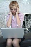 计算机膝上型计算机妇女 库存照片