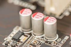 计算机芯片电容器和电阻器 图库摄影