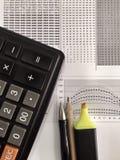计算机详述关键董事会鼠标木办公室的表 免版税库存照片