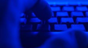 计算机递关键董事会键入 网络攻击概念 免版税库存图片