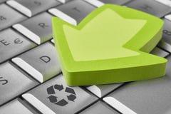 计算机键盘回收符号 能承受的行星 Ecolo 免版税图库摄影