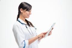 计算机医生女性片剂使用 免版税库存图片