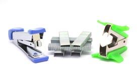 订书机和钉书针去膜剂 免版税库存图片