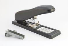 订书机和钉书针 免版税库存图片